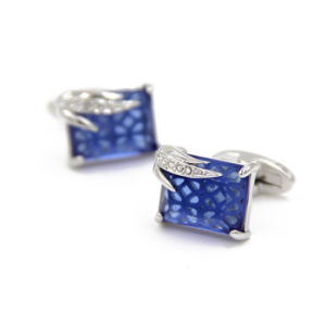 VAGULA Hot Selling Shirt Cufflinks (HLK35145) pictures & photos