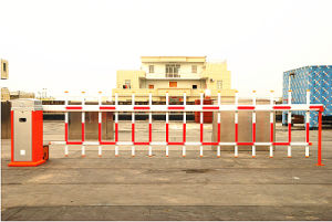 Durable Quality Road Parking Barrier Gate with 2 Fence Boom