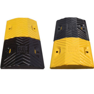 Tough Reflective Recycled Rubber Speed Hump pictures & photos