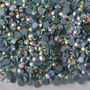 Hot Fix Crystal Rhinestones and Hot Fix Strass pictures & photos