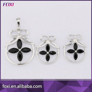 Hot Sale Hanging Trendy Flower Design Fashion Dubai Gold Jewelry Sets pictures & photos