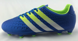 Men′s Trainee Football Shoes pictures & photos