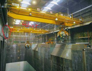 30t-35m Goliath Bridge Eot Crane with Garb Bucket for Workshop pictures & photos