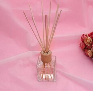 Good Quality Nice Fragrance Wholesale Reed Diffuser for Air Freshener pictures & photos