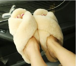 Lambskin Home Shoes for Men and Women pictures & photos