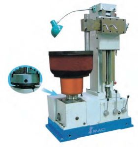 Brake Drum (shoe) Boring Machine pictures & photos
