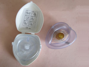 Mouth to Mouth CPR Mask with Shell pictures & photos