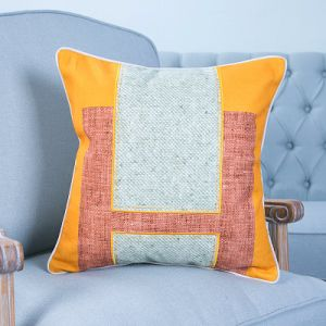 Hand-Made Decorative Cushion/Pillow with Patchwork Geometric Pattern (MX-50) pictures & photos