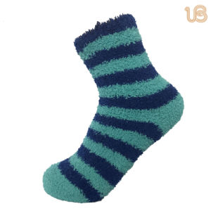 Women′s Color Striped Fuzzy Red Socks pictures & photos