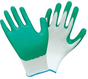 Green Nitrile Coated Safety Working Gloves D005 pictures & photos
