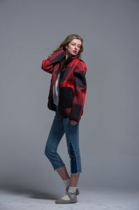 Ladies Loose Coat Sport Autumn Winter Polyester Red Black Warm Composite Fabric pictures & photos