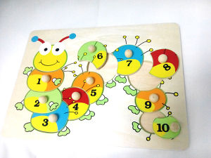 Wooden Caterpillar Peg Puzzle with Wooden Knob pictures & photos