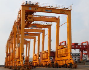 Rubber-Typed Container Gantry Crane pictures & photos