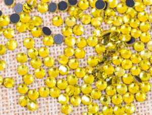 Ss8 Ss10 Ss12 Ss16 Ss20 DMC Hotfix Rhinestone for Dress pictures & photos