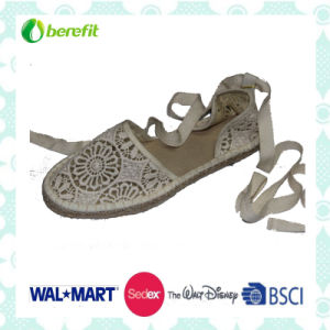 Canvas Upper with Hollowed Design, Women′s Sandals pictures & photos
