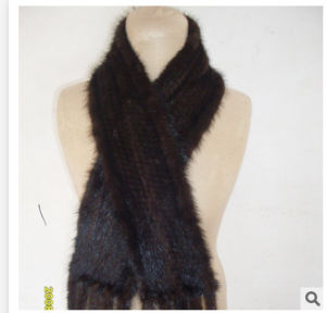 Women Winter Knitted Real Mink Fur Scarf with Hood pictures & photos
