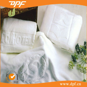 High Quality 100% Cotton Jacquard Bath Towel (DPF10775) pictures & photos