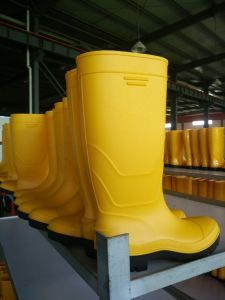 Industrial Green PVC Safety Rain Boots/Shoes with Steel Toe and Steel Plate with High Upper pictures & photos
