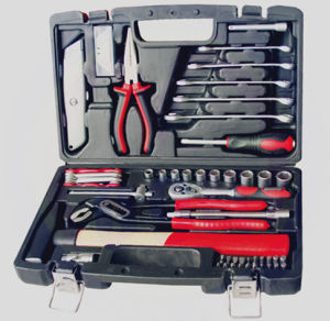 61PCS Professional Household Tool Set (FY1261B) pictures & photos