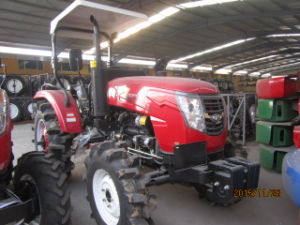 Huaxia New Design Cheap Price Kubota Tractor with CE pictures & photos