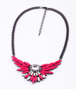 Fashion New Design Wings with Rhinestone Imitation Jewelry Chain Necklace pictures & photos