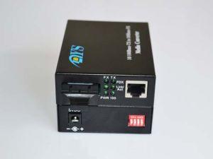 Dys 100m Fiber Optic Media Converter pictures & photos