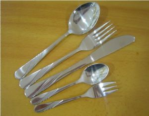 Silver Cutlery Set 5PCS with Laser Engraved Logo pictures & photos
