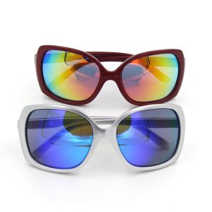 Fashion PC Frame Material Polycarbonater Lense Sunglasses pictures & photos