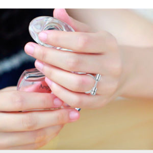 Stainless Steel Fashion Jewelry Dumbbell Shaped Finger Ring for Women pictures & photos