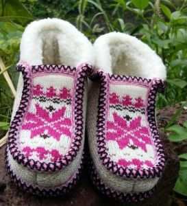 High Quality Hand Woven Boots Slipper Knit Shoes pictures & photos