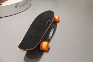 Cheap Lithium Battery Mini Electric Skateboard with Remote pictures & photos