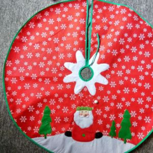 Quality Christmas Decoration All Velvet Embroidery/Applique Round Tree Skirt pictures & photos