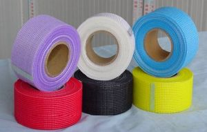 High Quality Glass Fiber/Reinforced Fiberglass Mesh pictures & photos