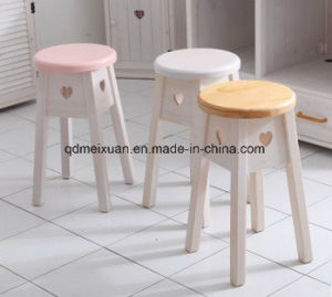New Fashion Wooden Stool Heart-Shaped Stool Contracted Taboret Real Wood Real Wood (M-X3806) pictures & photos