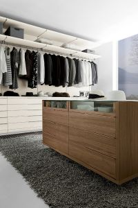 Bedroom Furniture European Walk in Wooden Wardrobe Cupboard pictures & photos