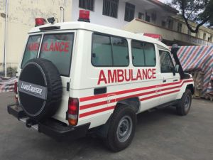 Toyota 4X4 Land Cruiser LC78L Hard Top Diesel Rhd Ambulance pictures & photos