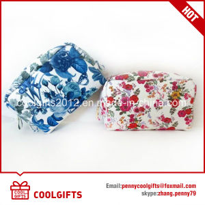 Cheap Promotion Small Cosmetic Bag with Beautiful Pattern pictures & photos