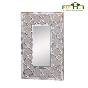 Decorative Wall Mirror Distressed Wood Mirror with Beveled Glass pictures & photos