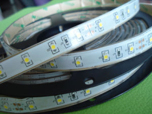 White Color Board Flexible LED Strip with 3m Tape/Waterproof Outdoor LED Strip pictures & photos