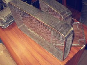 Perforated Side, Stainless Steel Wire Mesh Basket Tray pictures & photos