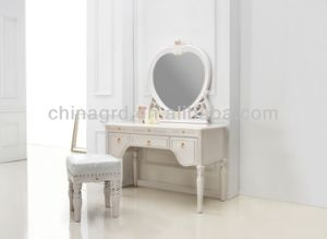 Royal Style Classical Bed for Bedroom pictures & photos