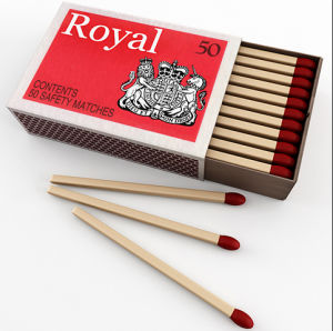 Customized Green Colored Head Wooden Safety Matches pictures & photos