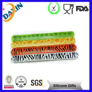 Customized Silicone Slap Bracelet for 2015 pictures & photos