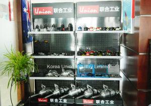 Heavy Duty Center-Vacuum 5 Inch Air Orbital Sander pictures & photos