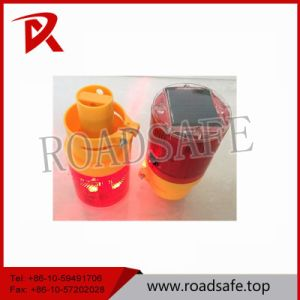 Road Safety LED Solar Flashing Warning Light pictures & photos