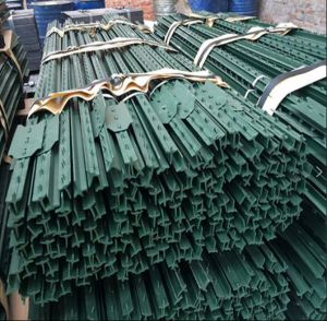 American Studded Steel Fence T Post/1.33lb Green Painted T Post pictures & photos