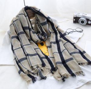 Fashion Design Cotton Linen Material Spring Plaid Scarf pictures & photos