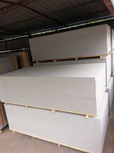 Wholesale Hot Sale Good Quality Fireproof Wooden Pallet Fireproof Fibre Cement Board pictures & photos