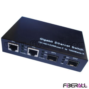 Gigabit Ethernet Switch 10/100/1000m with Two SFP Fiber Ports pictures & photos