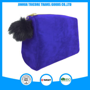 2017 New Design Velvet Cosmetic Bag with Fuzzy Ball Puller pictures & photos